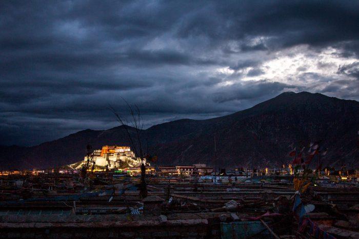 经典西藏13日游(成都进和出)